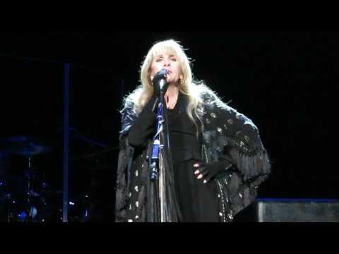 "Stevie Nicks - The ""Believe in Yourself"" Talk - Prudential Center - Newark, NJ - 04/02/17"