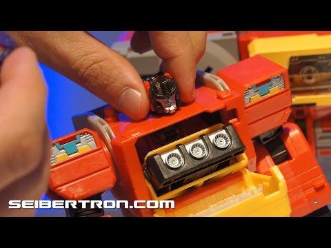 Transformers Titans Return Galvatron and Blaster demonstration