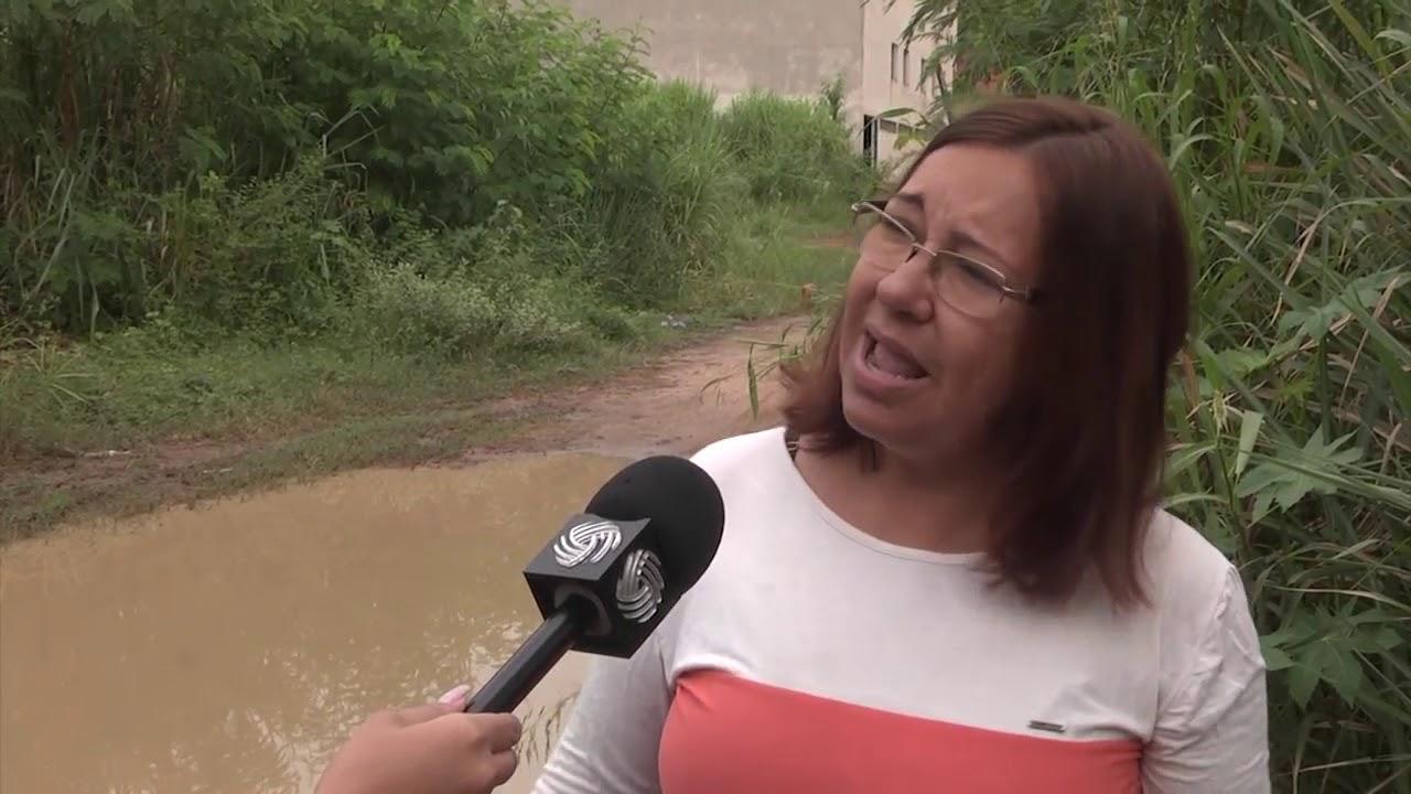 Moradores reclamam de atraso de obras na MG 050