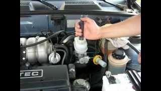 Проверка тормозной жидкости тестером