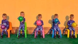 TIMUR FOI CLONADO - Aprendendo cores com bolas, Five little babies jumping on the bed colors