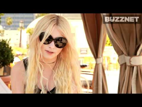 Taylor Momsen - Taylor Tells Us How She Gets Her Smoky Eyes - Buzznet Exclusive