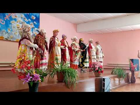 Russian grandmothers sing a folk song