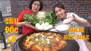 Spicy and sour hot pot with yellow beetle mushroom. So delicious!!!!