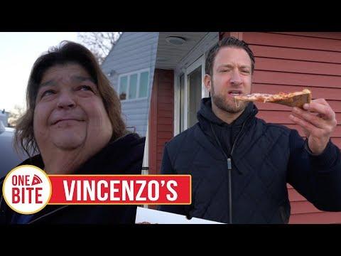 Barstool Pizza Review - Vincenzo's Pizzeria (Waterbury, CT)