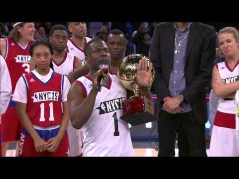 Kevin Hart Accepts Sprint Celebrity Game MVP Award