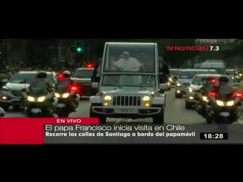 Papa Francisco recorre las calles de Santiago de Chile tras su arribo al país del sur