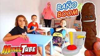 Jugamos en el Colegio al Juego Baño Boom de Mattel ATRAPA LA CACA!