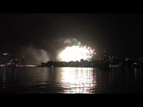 Sydney NYE 2014 from Cremorne Point