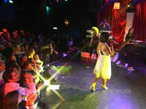 Nelly Furtado - I'm Like A Bird (Live at the Roxy)