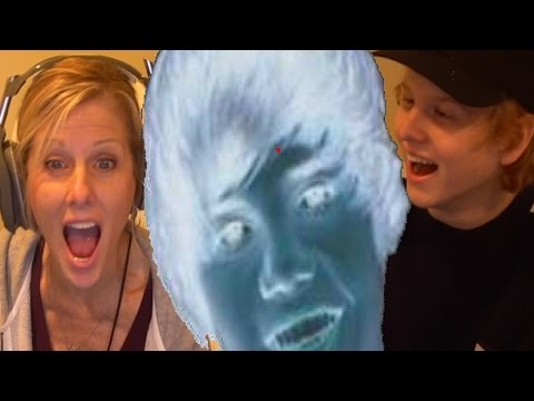 MOM PLAYS JUSTIN BIEBER JUMP SCARE GAME
