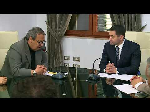 Ahmetaj premton: Do të ketë ulje taksash - Top Channel Albania - News - Lajme