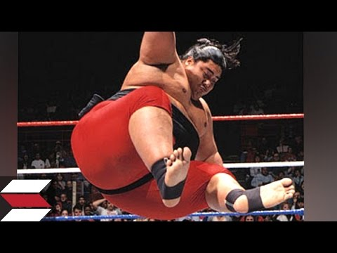 10 Worst Finishers by WWE Wrestlers