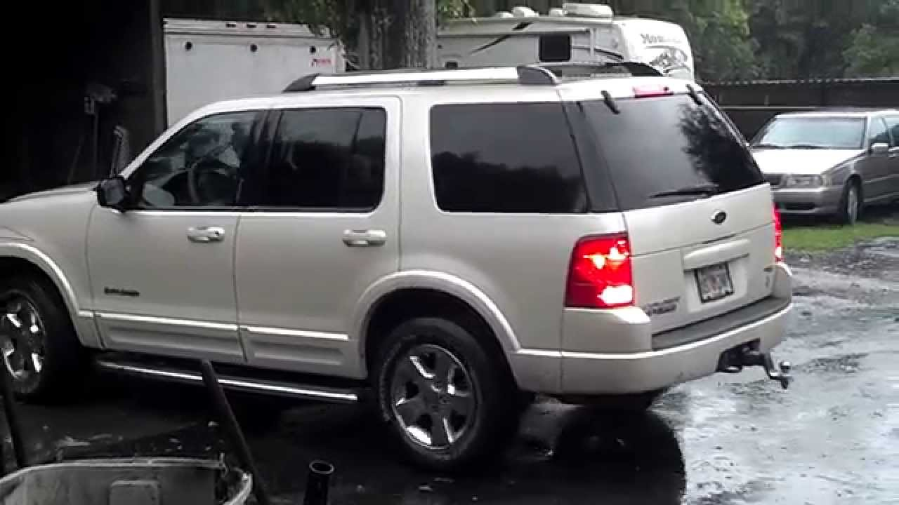2003 Ford Explorer V8 OPEN HEADERS - LOUD! - YouTube