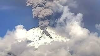 墨西哥波波卡特佩特火山持续喷发