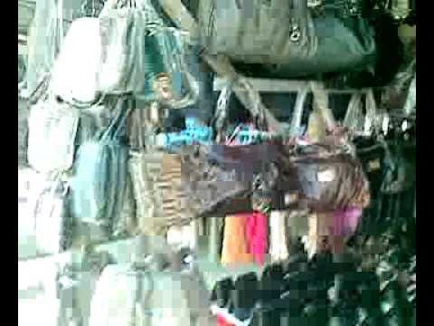 Serikin sarawak / indonesia border market