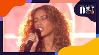 Download Lagu Leona Lewis - Bleeding Love (live at The BRIT Awards 2008) mp3