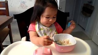 19mons old baby can eat alone!!