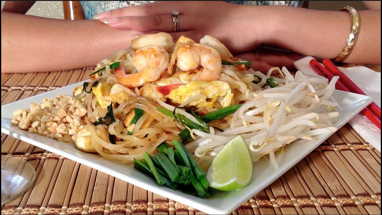 Pad thai how to make pad thai recipe thai food recipes - Thailand cuisine recipes ...
