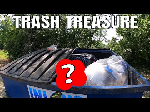 This Was In The Garbage?? - Dumpster Dive Action!