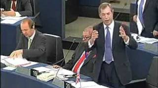 Nigel Farage shows Barroso