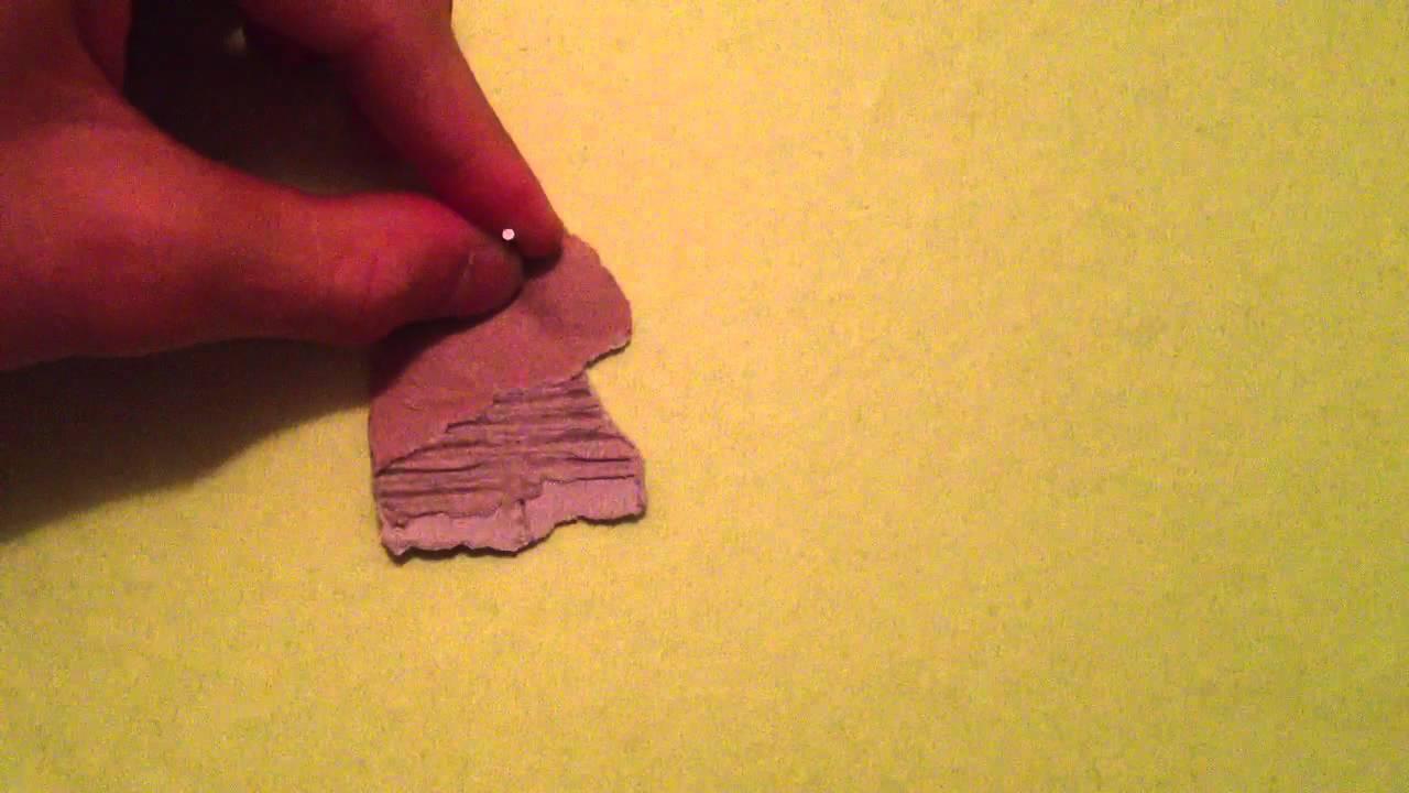 Enfoncer un clou sans abîmer le papier peint - Astuce bricolage - YouTube