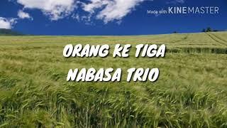 Lirik lagu Orang Ketiga dan Terjemahan Bahasa Indonesia