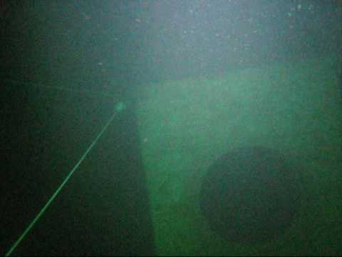 35 Meter dive down to the Hydrobox at Stoney Cove ...