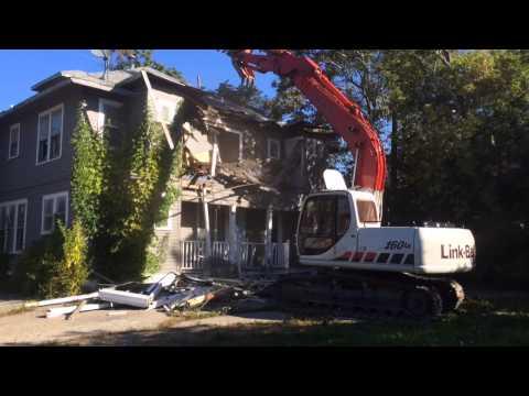 Work on Flint's historic Swayze Apartments picks up following demolition
