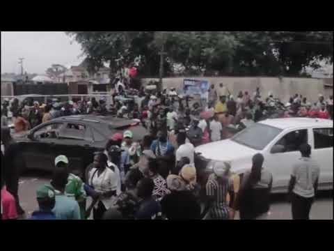 Thugs Mobbed Davido On The Street As He Visit Ilesa Osun State