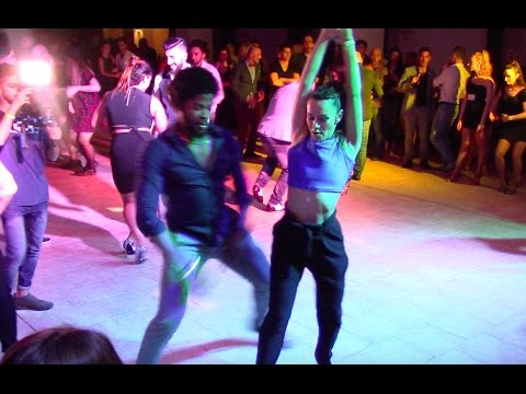 Terry SalsAlianza and Sissi Mei :: All-In Dance :: Social Salsa dancing Pobrecita La Maxima 79 Live