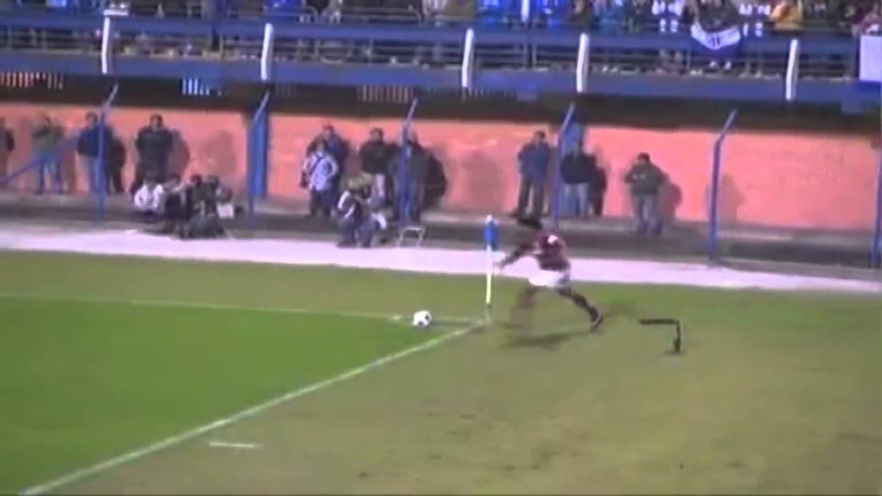 скачать первый гол роналдиньо во фламенго: