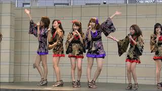 説明 全国のご当地アイドルによるイベントライブを群馬県高崎市にあるヤマダ電機様、ラビ1高崎の野外ステージで行われました。とりわけセクシーで輝いていたグループです ...