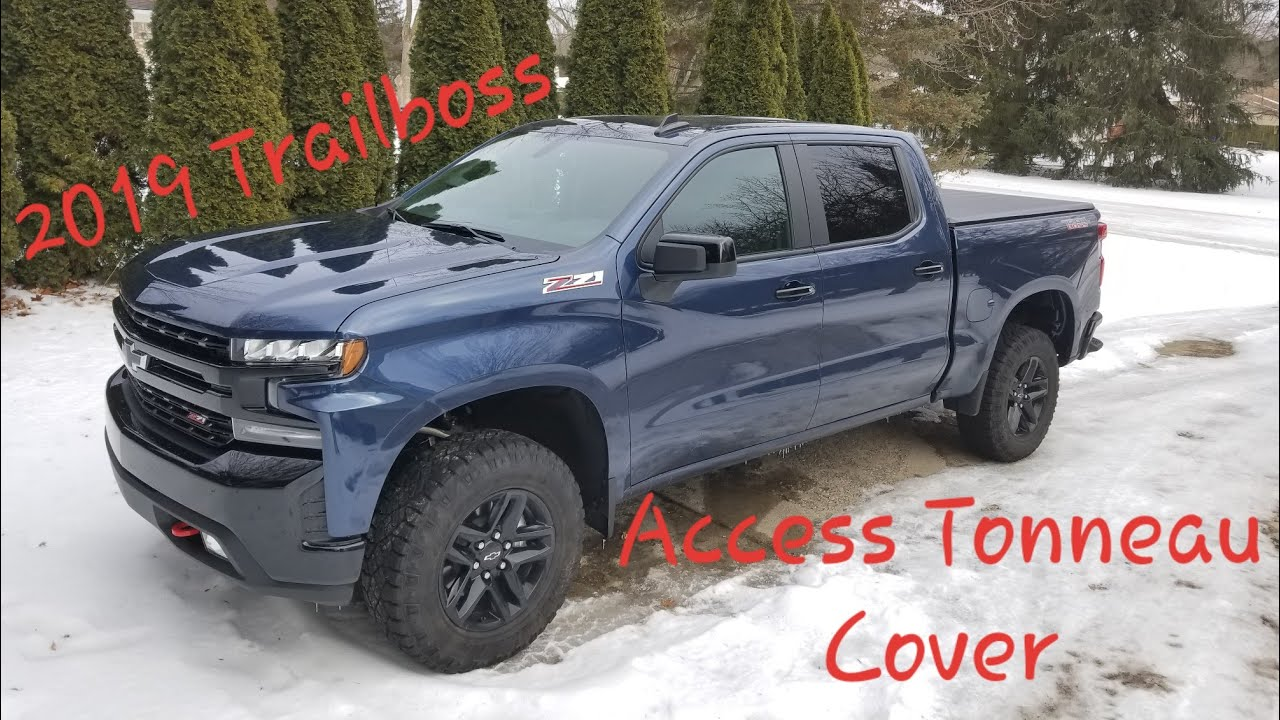 2019 Silverado Trail Boss Access Tonneau Cover - YouTube