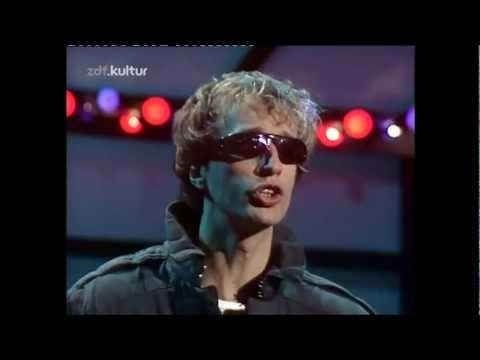 Robin Gibb (HQ) - Boys Do Fall in Love  (sound remastered)