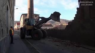 Wyburzanie komina zakładu Bielbaw Bielawa Bibliotheca Bielaviana