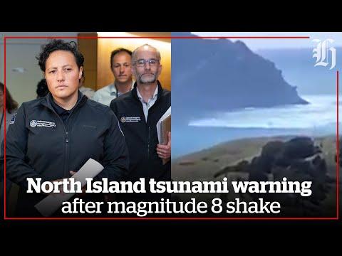 North Island tsunami warning after magnitude 8 shake