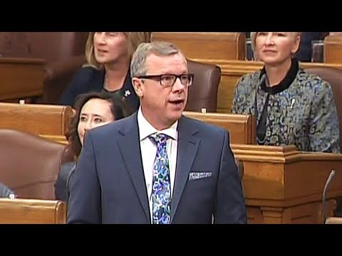 Tributes pour in for Premier Wall on last day in legislature