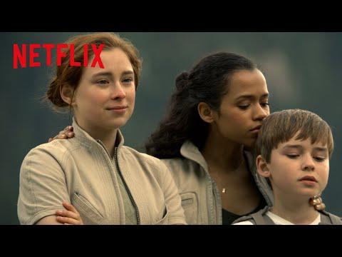 Perdus dans l'espace | Featurette : Le voyage des Robinson [HD] | Netflix