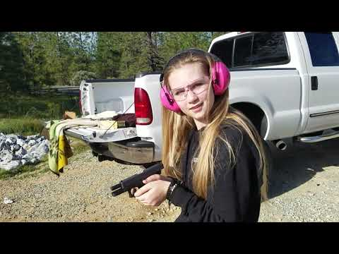 15 daughter shoots glock 19 for the first time.