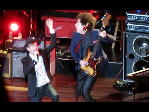 "Beck ""Que Onda Guero"" Live @ The Ryman Auditorium 7/15/14 (720p)"