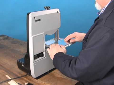 Demonstration of Micro-Mark #82203 Variable Speed Bandsaw - YouTube