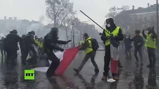Cañones de agua, barricadas y arrestos en el corazón de París