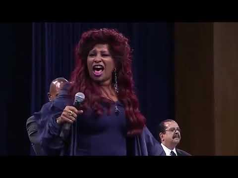 "Chaka Khan ""Goin Up Yonder"" At Aretha Franklin's Funeral Celebration Service!"