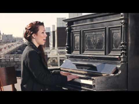 BUSH - IR VĒRTS (pied. Māra Upmane-Holšteine) [Official Video]