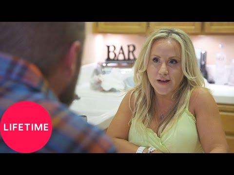 Download Little Weddings: Bonus - Kensey Makes Dinner for Derek (Season 1, Episode 1)   Lifetime