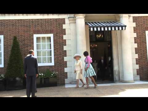 Their Royal Highnesses welcome The President of the United States and Mrs Obama