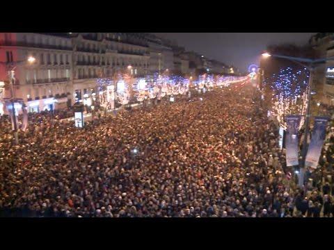 600,000 Celebrate New Year in Paris