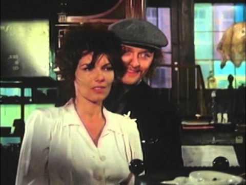 Random Movie Pick - Rutger Hauer in La Donneuse 1 YouTube Trailer