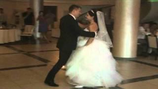 Свадебный танец Ростислав и Кристина.wmv